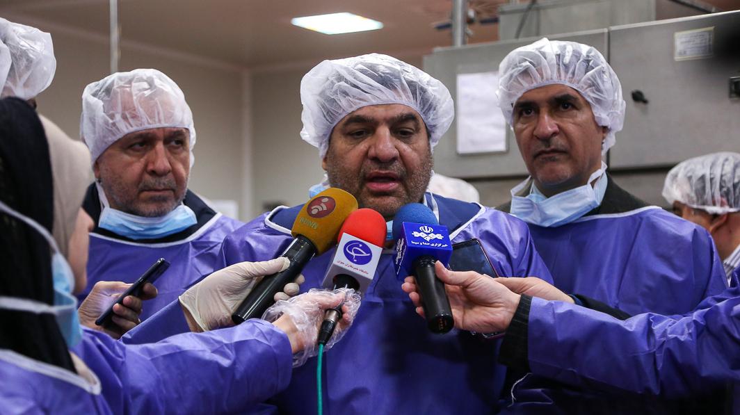 رییس ستاد اجرایی فرمان امام خبر داد؛  تولید 100 هزار محلول و ۳۵ هزار ژل ضدعفونی کننده