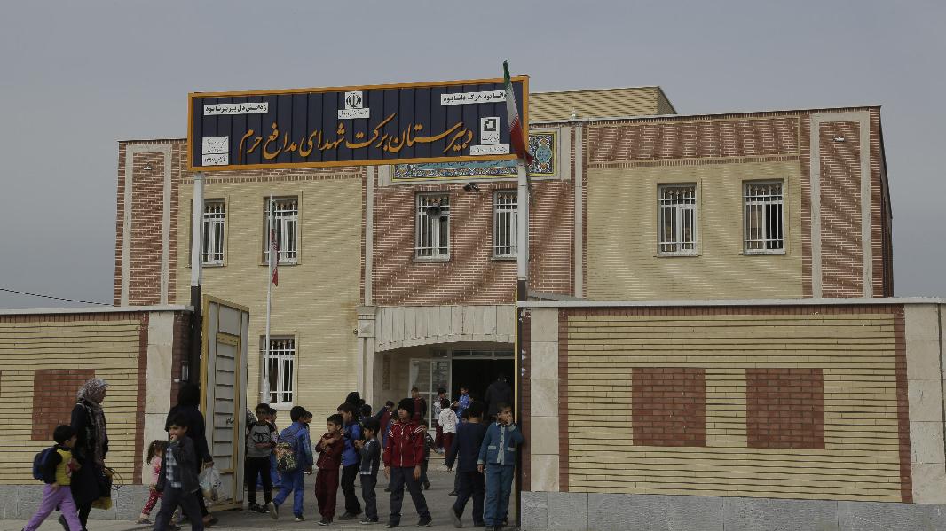 تقدیم 275 مدرسه برکت به دانشآموزان خوزستانی
