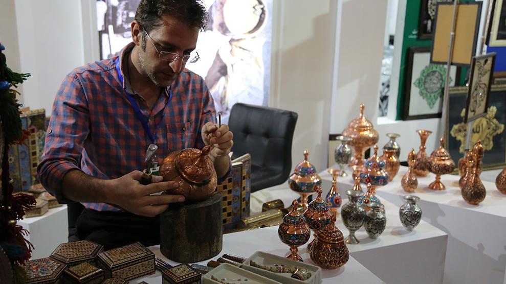 اجرای 500  طرح اشتغالزایی بنیاد برکت در اردستان