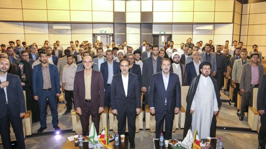 اهدای کمکهای ستاد اجرایی فرمان حضرت امام(ره) به سیلزدگان شیراز