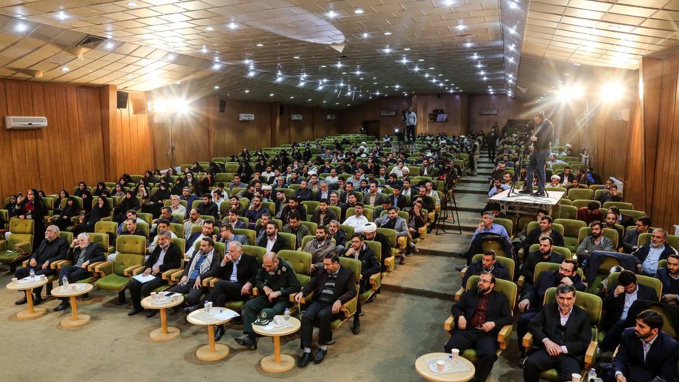 تقدیر از ستاد اجرایی فرمان حضرت امام(ره) در جشنوارهی ملی جهادگران