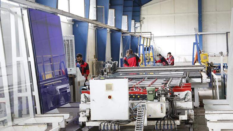 در سال «رونق تولید» محقق شد: افزایش صادرات محصولات ایرانی با حمایت بنیاد برکتِ ستاد اجرایی فرمان حضرت امام(ره)
