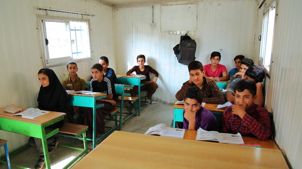 خدمات ویژه بنیاد برکت به معلمان و دانشآموزان مناطق محروم
