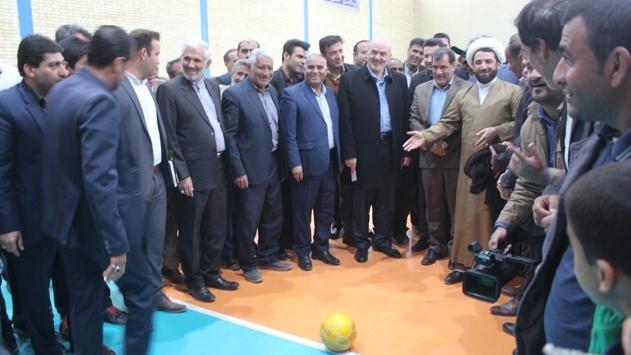 بنیاد برکت سالن ورزشی شهید اورنگ را افتتاح کرد