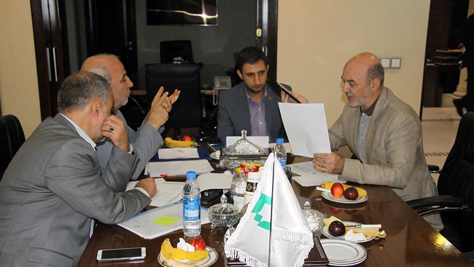 گزارش تصویری نشست نمایندهی مردم شهرستان شاهینشهر و میمه با مدیرعامل بنیاد برکت