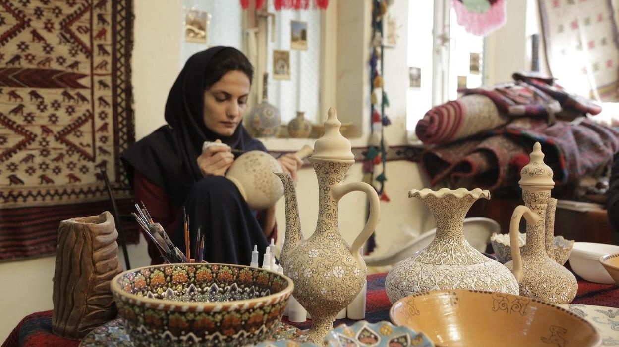 قطار اشتغالزایی برکت به ایران کوچک رسید
