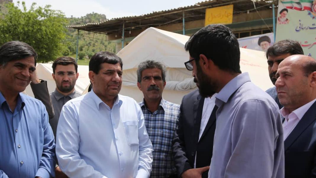 مبادرات لجنة تنفیذ أمر سماحة الامام (ره) في المناطق المنكوبة بالفیضانات