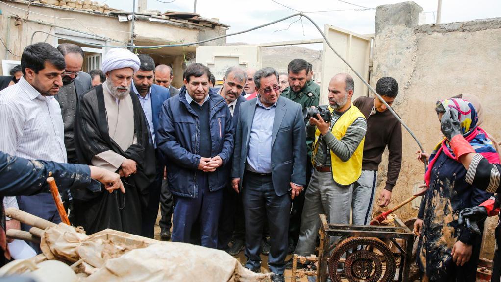 مؤسسة البركة توفر 10000 مشروع لتوفیر الاعمال في المحافظات التي اجتاحتها الفیضانات