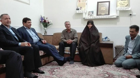 دیدار رییس ستاد اجرایی فرمان حضرت امام(ره) با خانوادههای معظم شهید امیرحسنی و نجفی