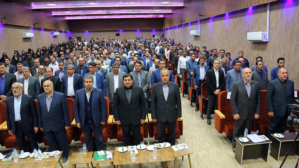 تقریر مصور عن زیارة رئیس لجنة تنفیذ أمر سماحة الامام (ره) الی محافظة كرمان