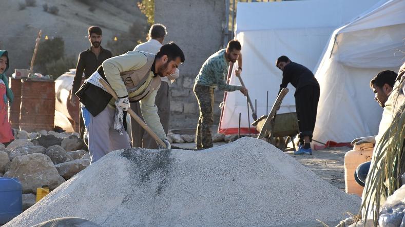 تقدیم الخدمات الجهادیة في 11 قریة من قری محافظة كلستان