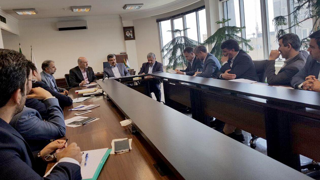 گزارش تصویری جلسهی بررسی اجرای مصوبات سفر رییس ستاد اجرایی فرمان حضرت امام(ره) به شهرستان گرمسار