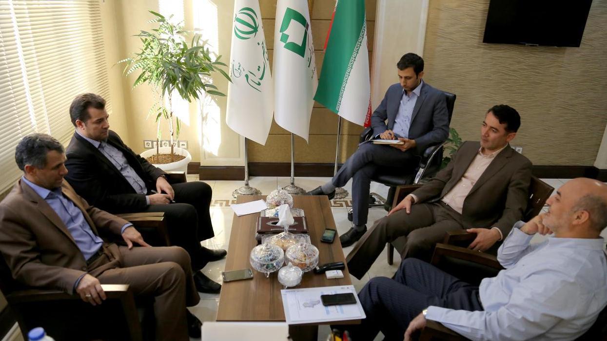 مؤسسة البركة تساهم في مكافحة البطالة و انخفاض معدل العمالة في محافظة اردبیل